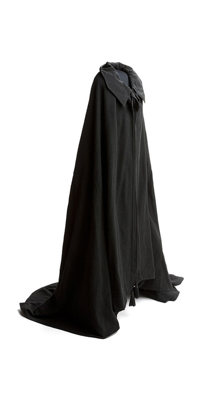 Medieval Clothing: Cloak