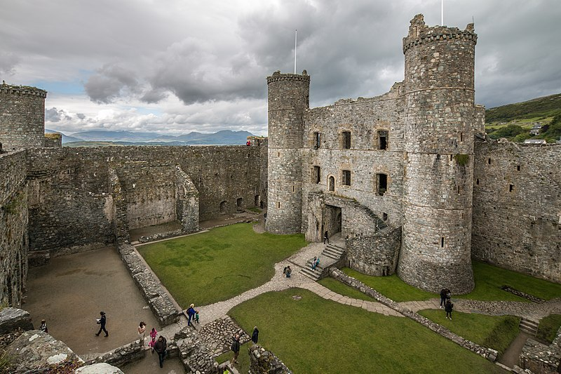 Medieval Wales: Harlech Castle. History, Facilities and Opening Hours.