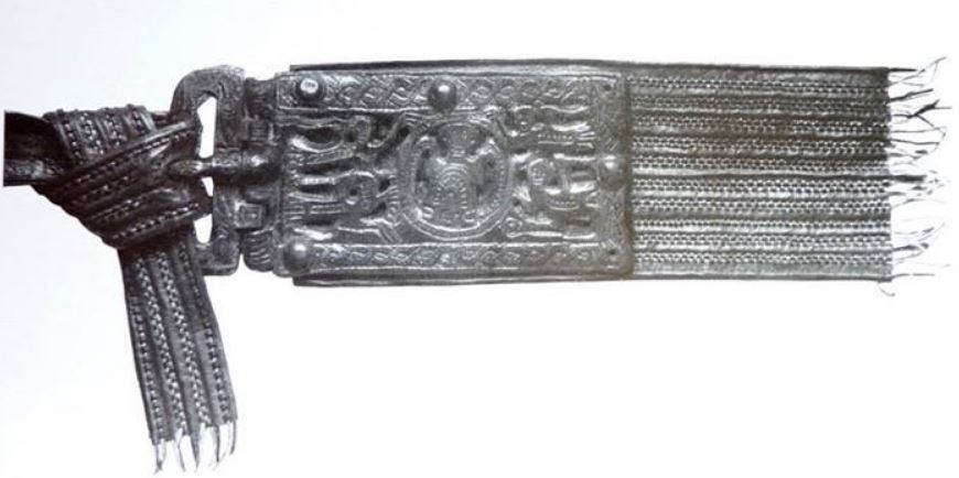 Reconstruction of a Merovingian belt from St. Quentin.