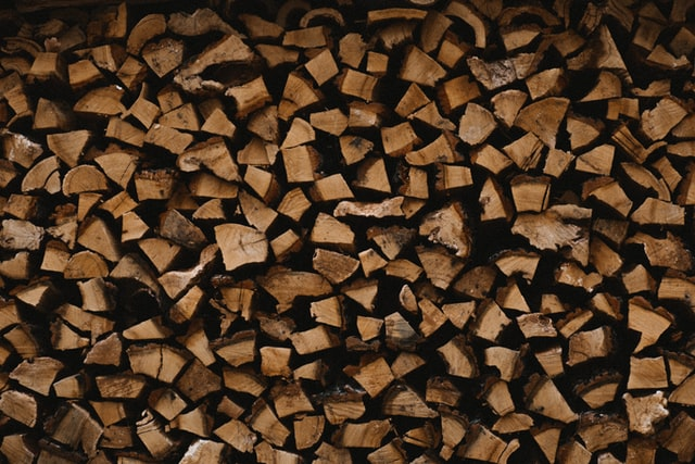 The materials of a bowyer: Wood