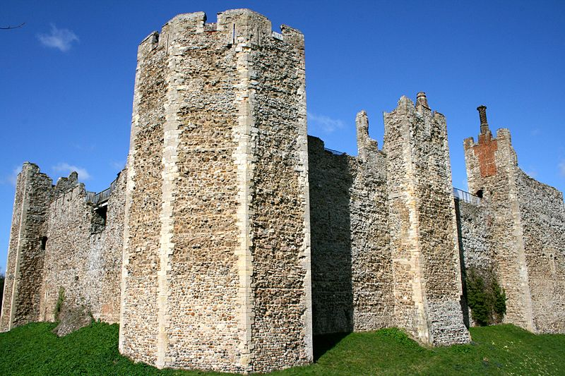 The 12th-century walls of the Inner Court. Image courtesy of Wikimedia.