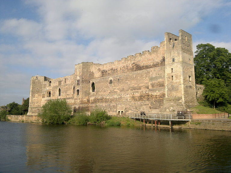 Medieval Britain: Newark Castle. Image courtesy of Wikimedia.